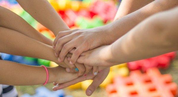 Руки дружбы - шаг пятый для позитивных изменений
