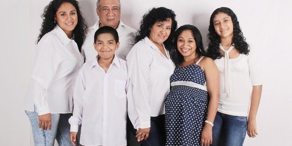 Семья людей - приятное общение
