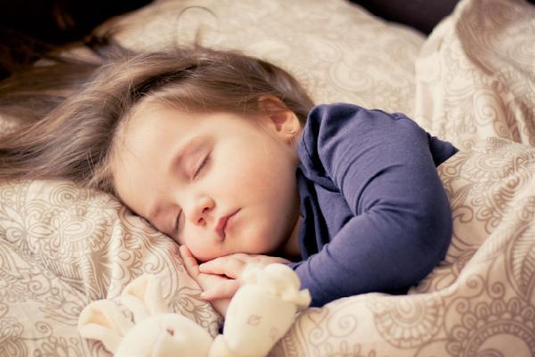 Получение достаточного количества спокойного сна необходимо для того, чтобы жить счастливой и здоровой жизнью